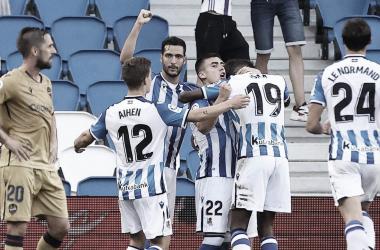 Los jugadores de la Real celebrando el gol de Ander Barrenetxea / Foto: Real Sociedad