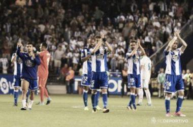 Jugadores del Deportivo tras el encuentro de la primera jornada // VAVEL