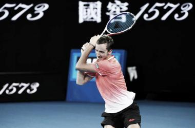Daniil Medvedev en su partido ante Novak Djokovic en el Open de Australia 2019. Foto: gettyimages.es
