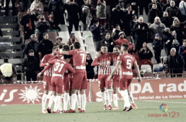 Jugadores celebrando el gol ante el Lugo | LaLiga 1|2|3