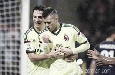 Em jogo polêmico, Milan derrota Udinese com doppietta de Ménez e volta a vencer
