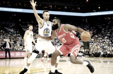 Se acercan las Finales de la NBA. Foto vía: Mercury News.