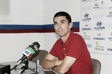 Diego Merino anoche en rueda de prensa | Foto: Facebook Oficial Extremadura UD