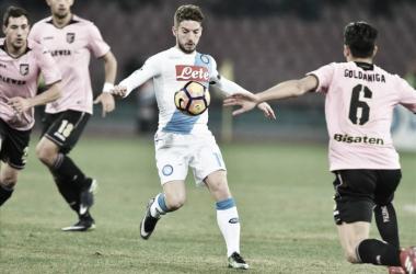Napoli peca na pontaria e tropeça diante do Palermo em pleno San Paolo