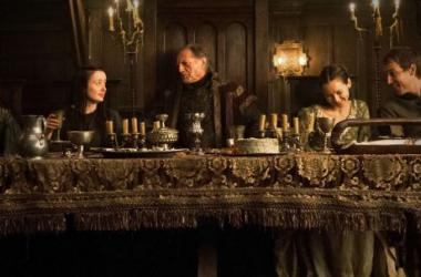 Cena de banquete (Foto: HBO)
