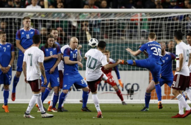 México golea a Islandia sin mostrar un fútbol convincente