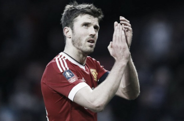 Carrick applauds the Manchester United fans | Photo: Reuters