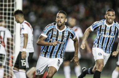 Michel comemora o gol que deu a vantagem para a equipe gaúcha. Foto: Lucas Uebel/Grêmio.