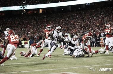 Sony Michel anotando su segundo touchdown (foto: www.patriots.com)