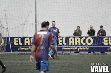 Michu, autor del tanto ante el Alcalá, celebrando un gol en Ganzábal   Foto: Bibi Peón - VAVEL