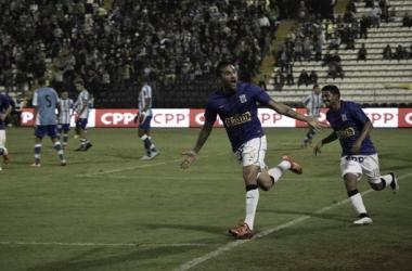 Pablo Míguez anotó el primer tanto de Alianza (FOTO: Raúl Chávarry Vásquez)