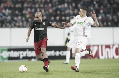 Mikel Rico, frente al Augsburgo. | Foto: Athletic.