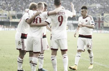 Com dois gols de Keisuke Honda, Milan vence Hellas Verona fora de casa