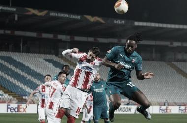 Milan leva empate nos acréscimos do Estrela Vermelha na Europa League
