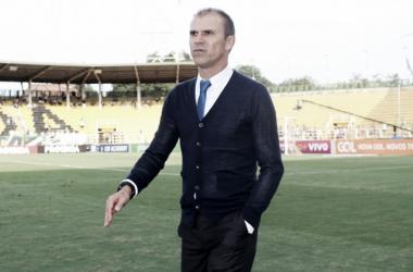"""Apesar de empate, Milton Mendes elogia empenho dos atletas vascaínos: """"Estão de parabéns"""""""