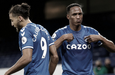Everton vence, sobe para vice-liderança e aumenta crise no Arsenal