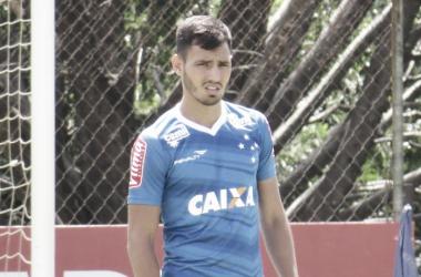 Sanchez Miño encerrou um jejum do Cruzeiro de seis meses sem gols de falta (Foto: Matheus Adler/VAVEL Brasil)