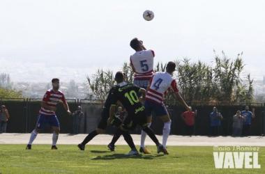 Lance del partido entre el filial del Granada y el Cartagena de la temporada pasada   Foto: MJ Ramírez