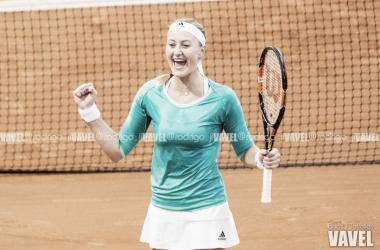 Mladenovic arrasa a Venus Williams