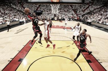 De la mano de Wade, Miami empata la serie ante Toronto