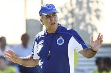 Marcelo Oliveira não confirma time para o clássico