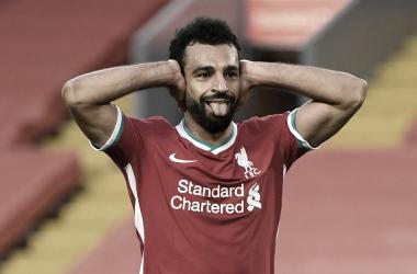 Com hat-trick de Salah, Liverpool estreia com vitória apertada contra Leeds