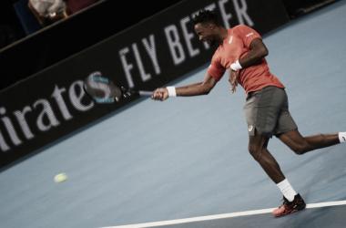 Gael Monfils atacando la bola ante Goffin. / Foto: ATP World Tour