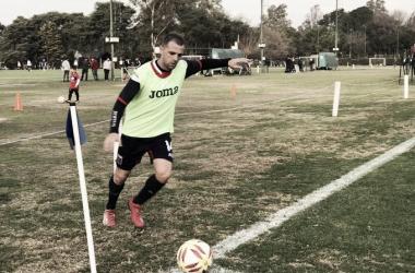 La pelota siempre al 14: Montillo (Foto: Tigre Prensa).