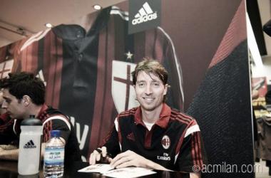 Montolivo diz que objetivo do Milan é terminar a Serie A entre os três primeiros colocados