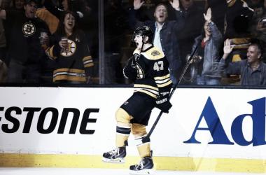 Torey Krug con los Bruins. Foto: Yahoo
