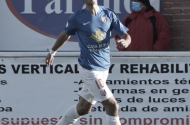 Rubén Moreno celebra el primer gol. Foto: UD Santa Marta (Mica Silvani)