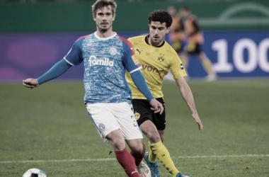 Mateu Morey sufrió una grave lesión minutos después de haber ingresado al campo de juego | Foto: @BlackYellow