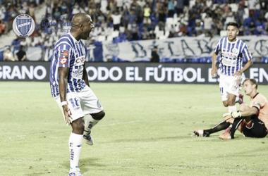 El uruguayo festejando su primer gol con la camiseta del Tomba vs. Independiente. FOTO: Club Godoy Cruz.