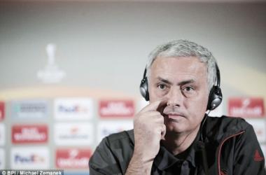 "Mourinho: ""Traer a Schweinsteiger de vuelta es una decisión humana"""