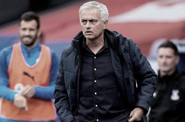 Classificado à Europa League, Mourinho destaca evolução desde chegada ao Tottenham