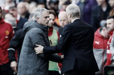 Wenger se aprovecha de la situación y por fin gana a Mourinho