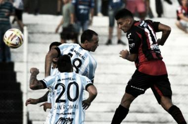 Atlético Tucumán fue superado en Paraná y dejó escapar la chance de seguir en la lucha por el título de la SuperLiga. Fuente: Agencias.