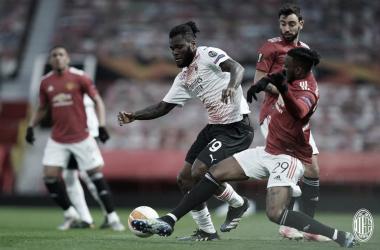 Manchester United e Milan empatam no jogo de ida das oitavas da Europa League