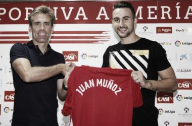 """Juan Muñoz: """"Mi ilusión era jugar en el Almería, un club grande que merece estar en Primera"""""""