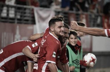 El Real Murcia remonta y ya espera rival de Primera