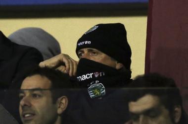 Jorge Jesus na bancada, no jogo desta terça-feira. (Foto: José Coelho/LUSA)
