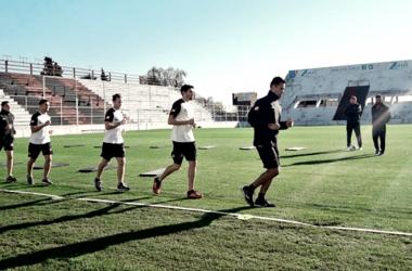 Con la vista puesta en la Superliga, Patronato comenzó el entrenamiento