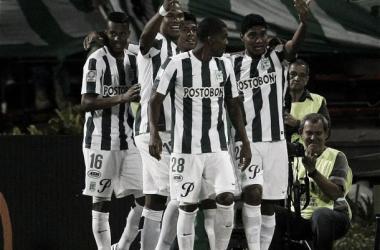 Nacional liquidó a Libertad y se metió en octavos en la Copa Libertadores