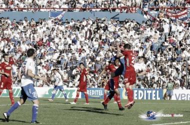 Iván Alonso conectará de chilena el balón para colocar el 2-0. Imagen: Alejandro Aparicio (Pasión Tricolor)