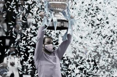 "<p><font size=""4""><b>Rafael Nadal, en la ceremonia de premiación en Barcelona, donde ganó su título 12. Foto Barcelona Open Banc Sabadell&nbsp;</b></font><b style=""font-size: large;"">@bcnopenbs</b></p>"