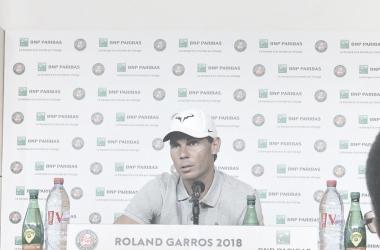 Nadal, en la rueda de prensa previa a Roland Garros 2018. Foto: @rolandgarros