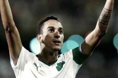Zeca estreou-se pela Grécia // Foto: jogadores.pt