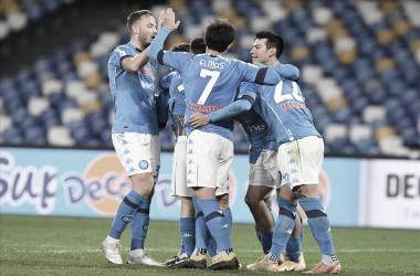 Napoli supera Empoli em jogo muito movimentado e avança às quartas da Coppa Italia