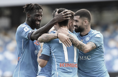 Napoli goleia e quebra invencibilidade da Atalanta no Italiano