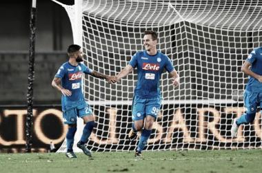 Napoli bate Hellas Verona fora de casa e começa bem na Serie A